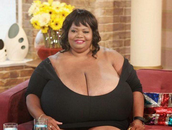 12. Самая большая грудь (естественная) интим, люди, рекорд